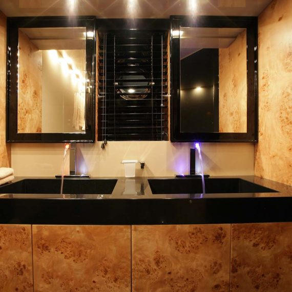 Amer 92 – Dackel BAGNO-ARMATORE-OWNER-BATHROOM6