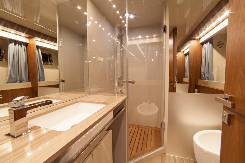 Amer Cento Quad Guest-bathroom