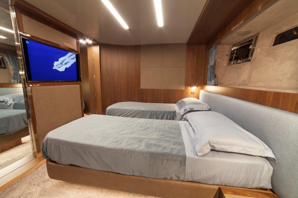 Amer Cento Quad Guest-cabin-3