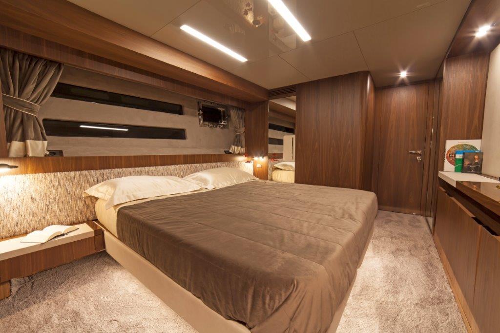 Amer Cento Quad Vip-cabin-1