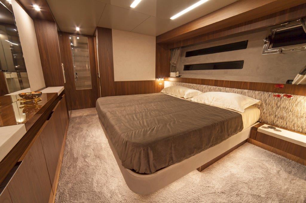 Amer Cento Quad Vip-cabin-2