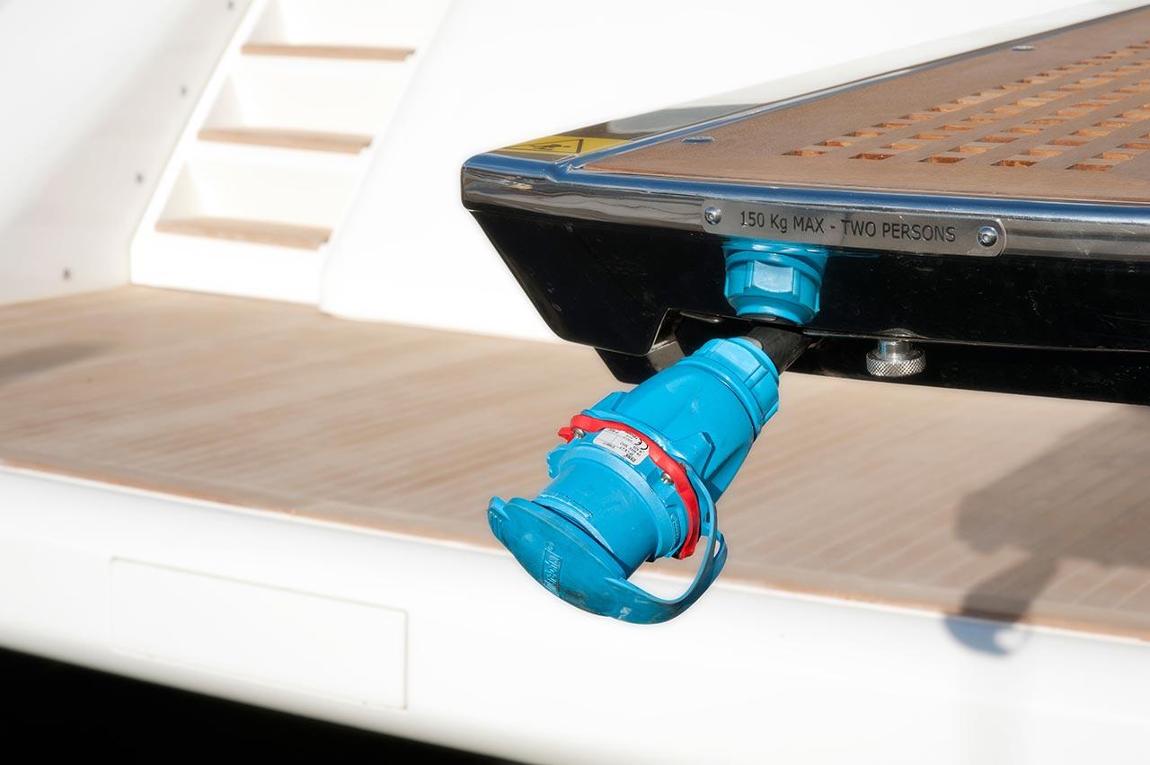 Amer Yacht, Amer 92, Amer-ica DETTAGLIO-PASSERELLA-GUNGWAY-DETAIL