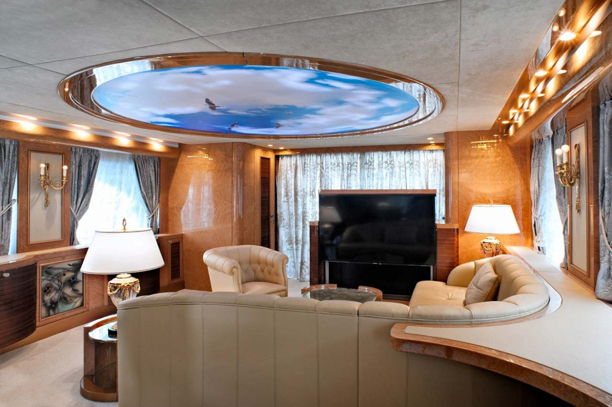 Amer Yacht - Amer CENTO SALONE-2-SITTING-ROOM-2-Large-1250x832