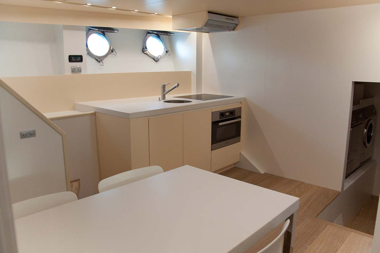 Amer Yachts - Amer 116 EQUIPAGGIO-CUCINA-CREW-GALLEY