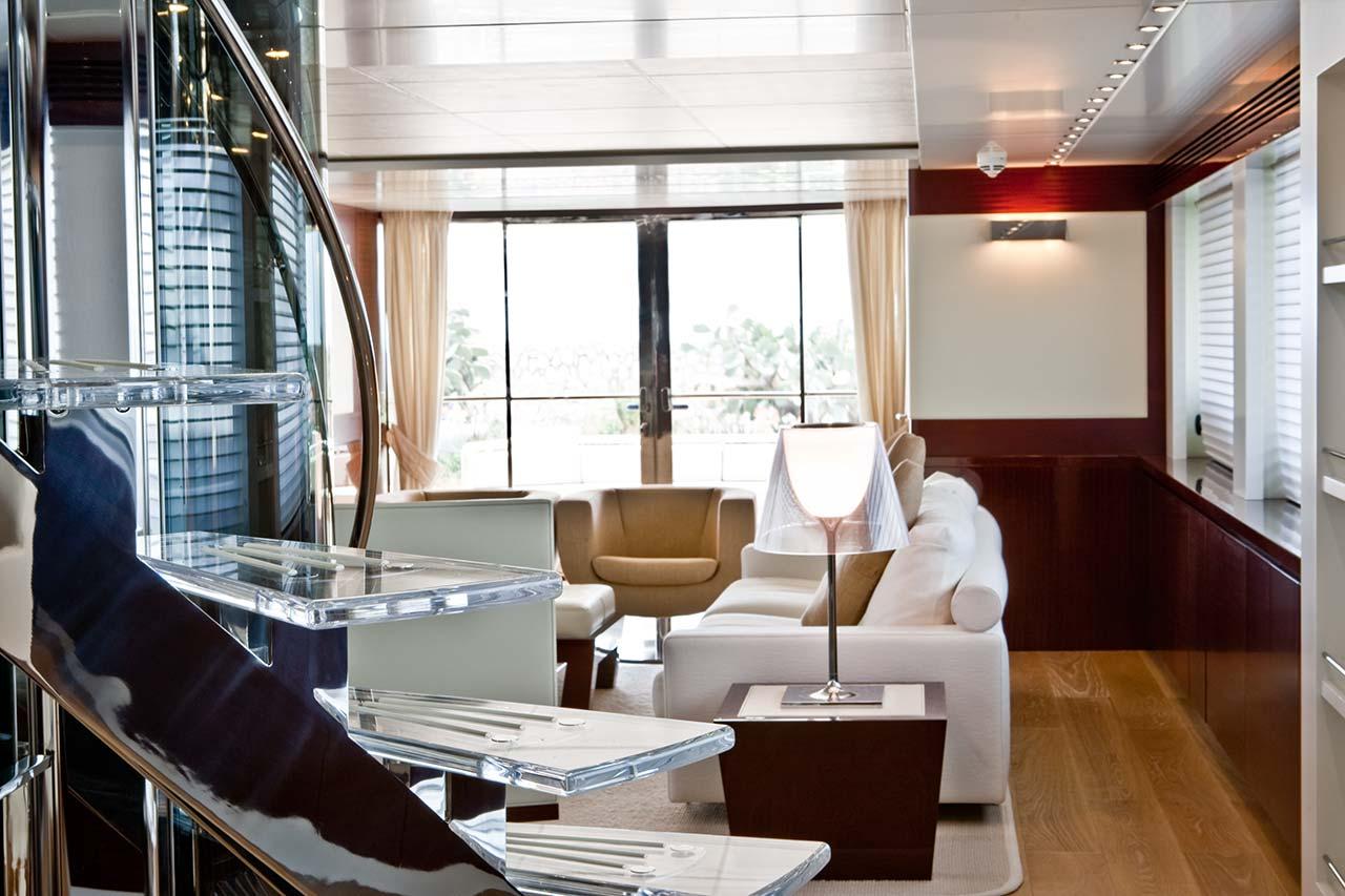 Amer Yachts - Amer 116 SALONE-2-SITTING-ROOM-2